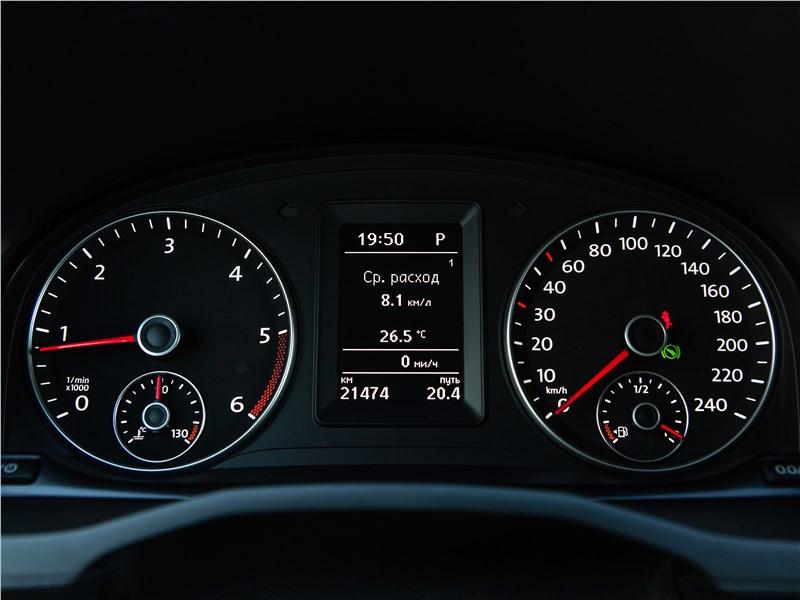 Volkswagen Caddy Maxi 2016 приборная панель