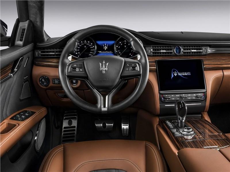 Maserati Quattroporte Gran Lasso 2017 салон