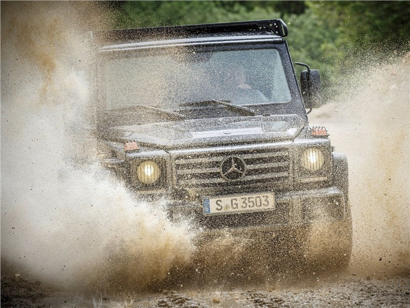 Mercedes-Benz G350d Professional 2017 вид спереди