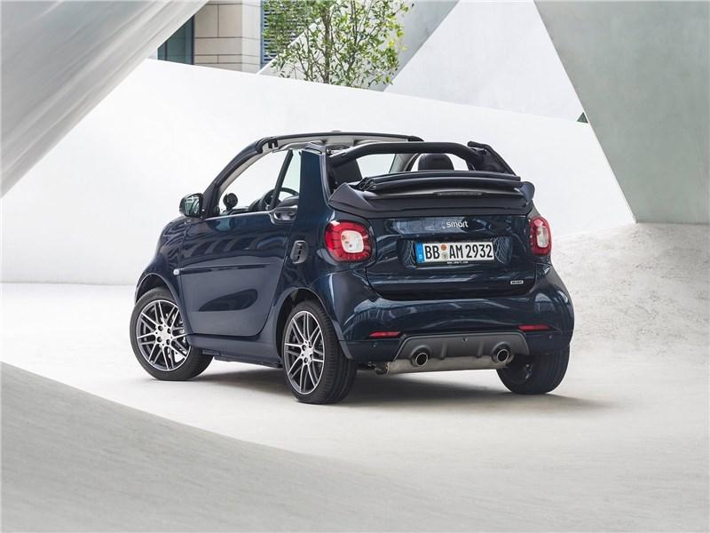 Brabus Smart fortwo Cabrio 2017 вид сзади