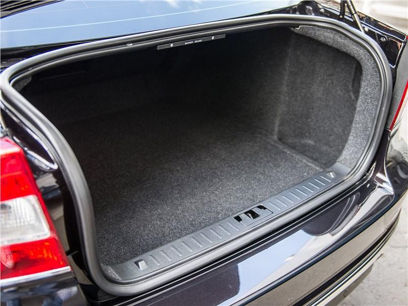 Volvo S80 багажное отделение