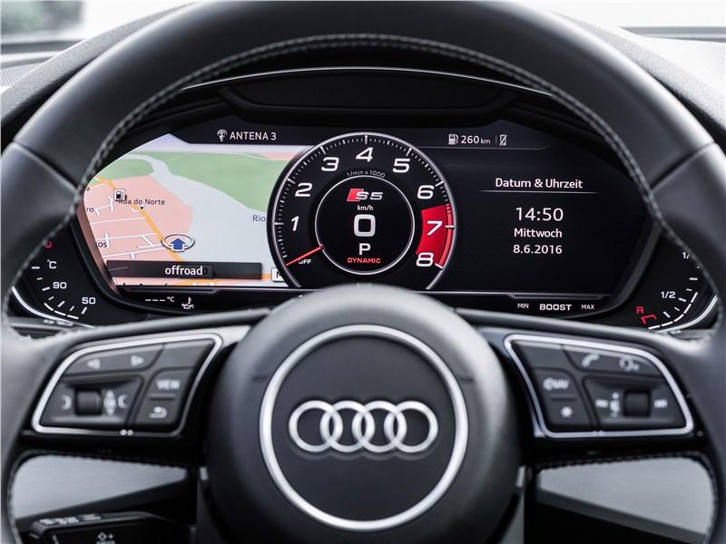 Audi S5 2017 приборная панель