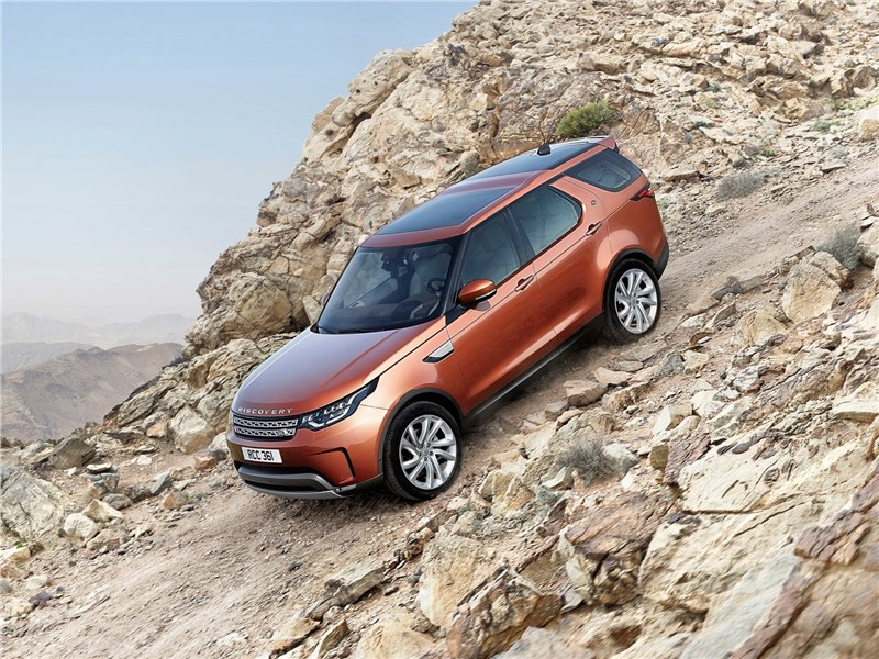 Land Rover Discovery 2017 на склоне