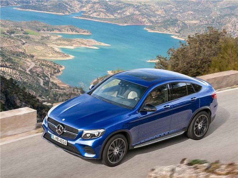 Mercedes-Benz GLC Coupe 2017 вид спереди сверху