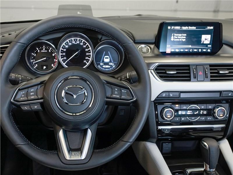 Mazda 6 2016 водительское место