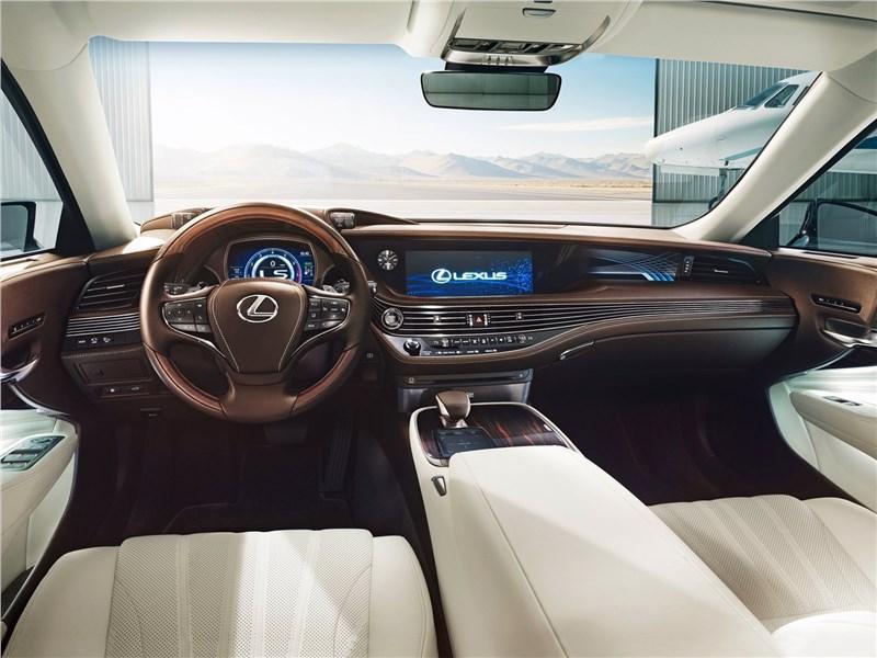 Lexus LS500 2017 салон