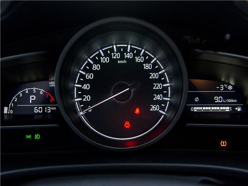 Mazda 3 sedan 2017 приборная панель
