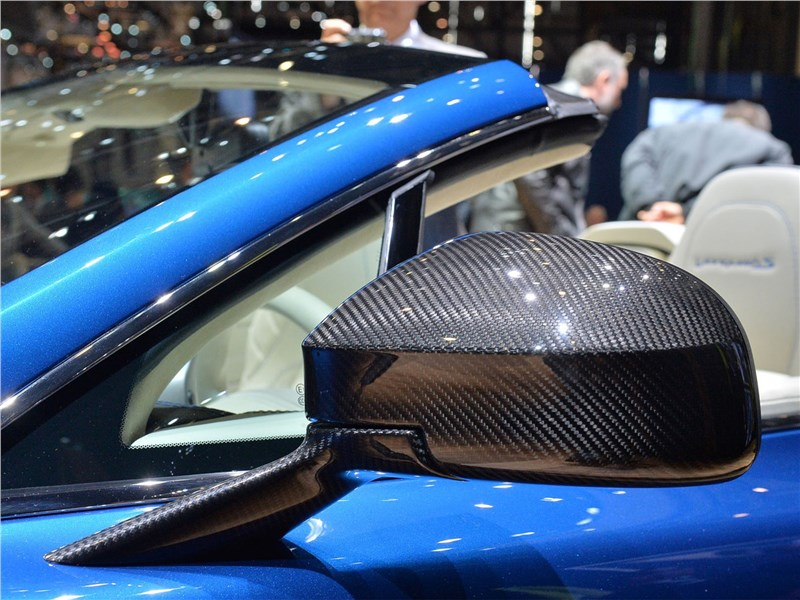 Aston Martin Vanquish S Volante 2017 боковое зеркало