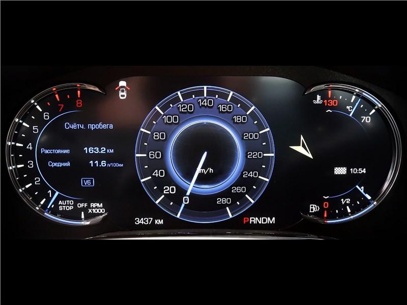 Cadillac CTS 2017 приборная панель