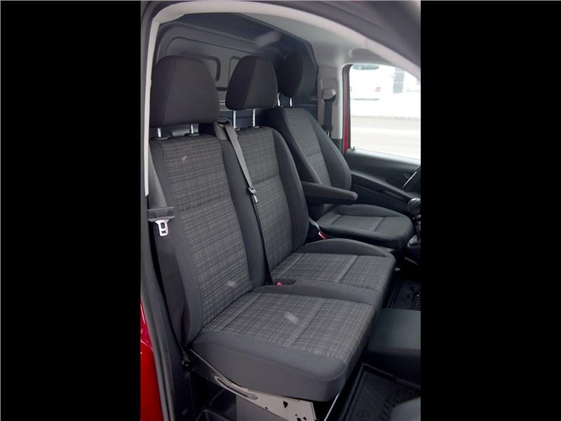 Mercedes-Benz Vito 2015 кресла