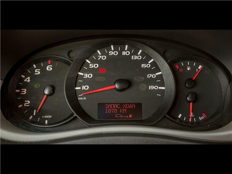 Renault Master 2014 приборная панель