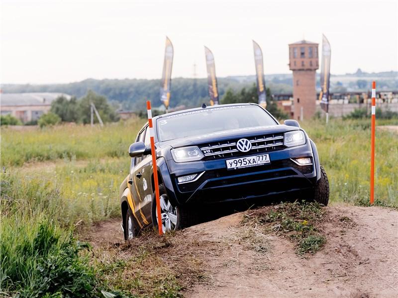 Volkswagen Amarok 2017 вид спереди