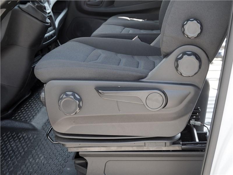 Iveco Daily 2017 водительское кресло
