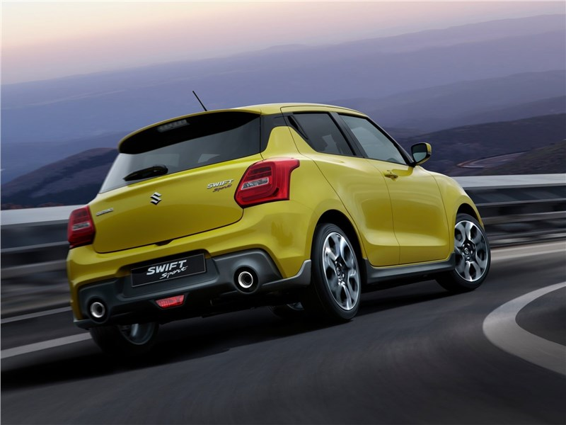 Suzuki Swift Sport 2018 вид сзади