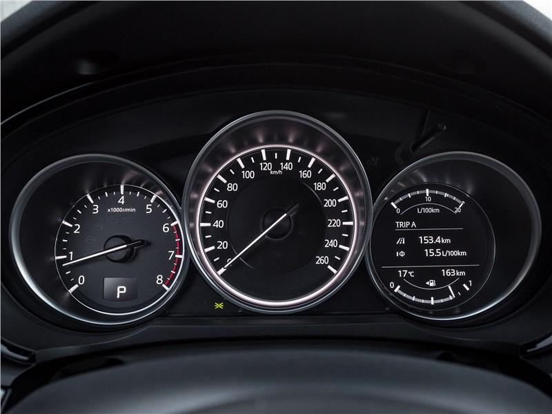 Mazda CX-9 2016 приборная панель