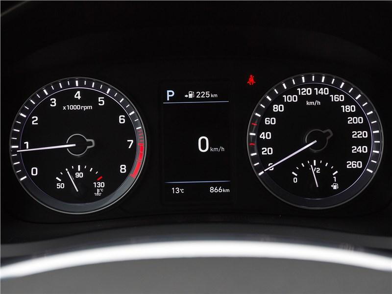 Hyundai Sonata 2018 приборная панель