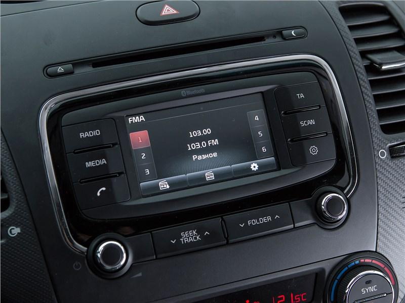 Kia Cerato 2016 центральная консоль