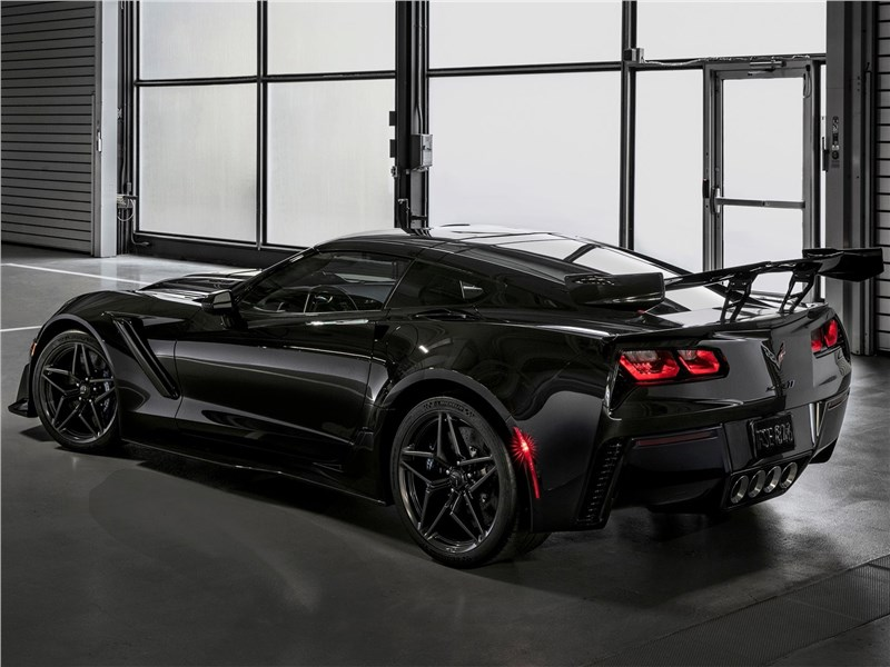 Chevrolet Corvette ZR1 2019 вид сзади