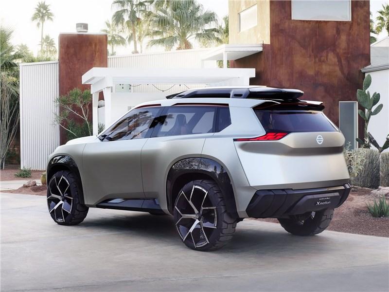 Nissan Xmotion Concept 2018 вид сбоку сзади