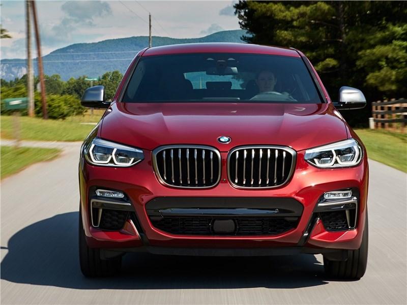 BMW X4 M 2019 вид спереди