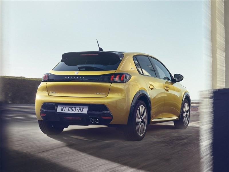 Peugeot 208 2020 вид сзади