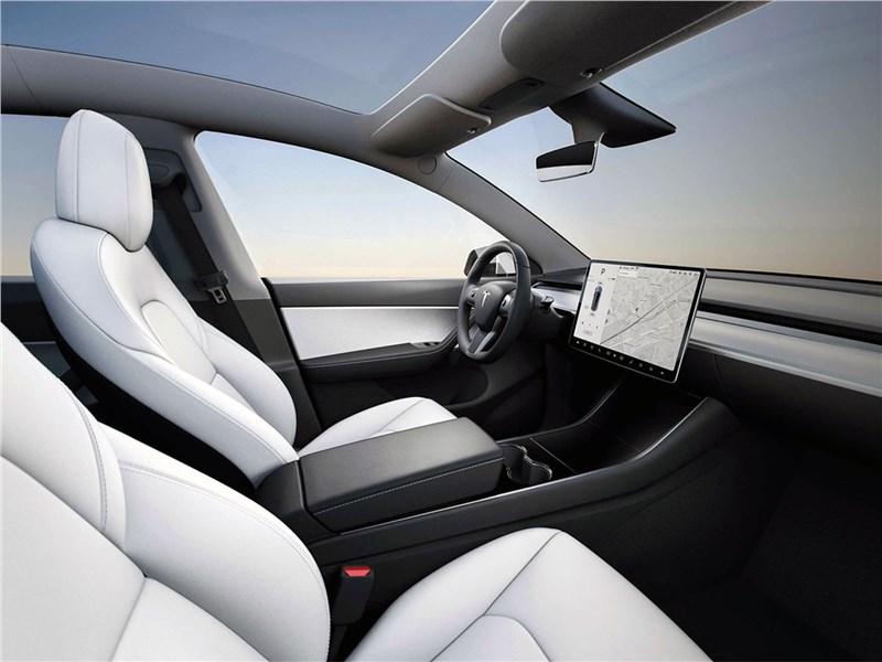 Tesla Model Y 2021 салон