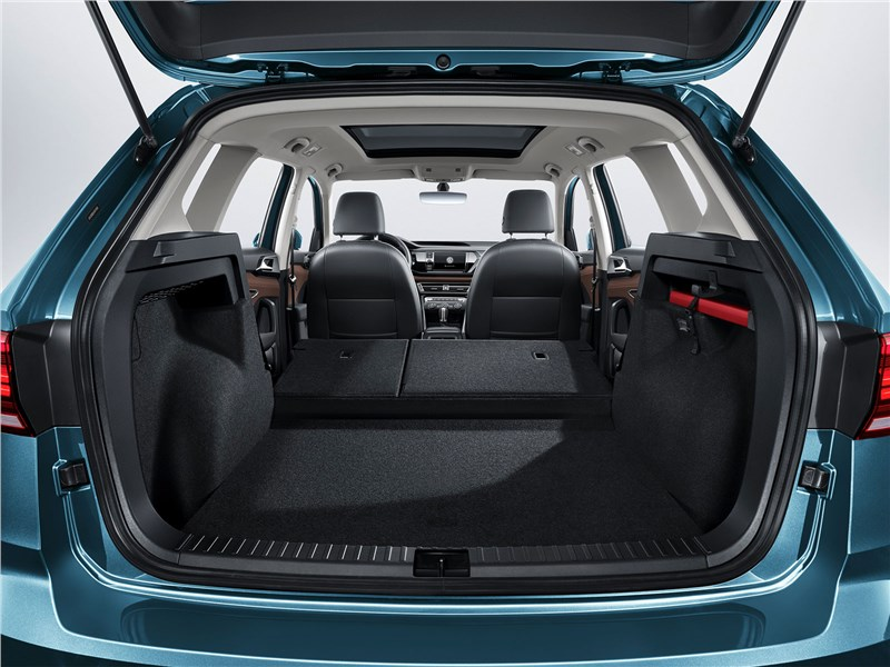 Volkswagen Tarek 2020 багажное отделение