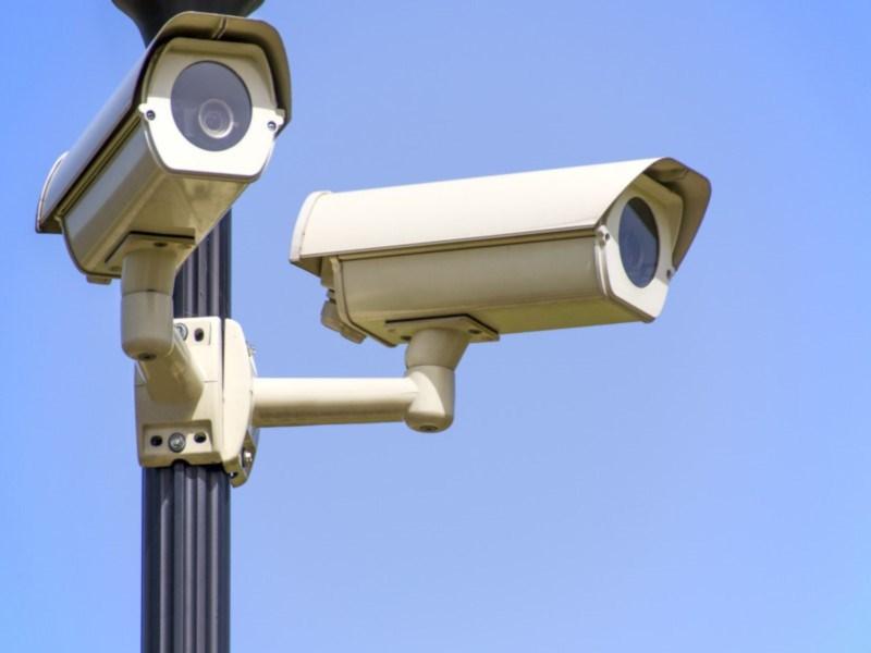 Дорожные камеры будут штрафовать за мобильник и ремень