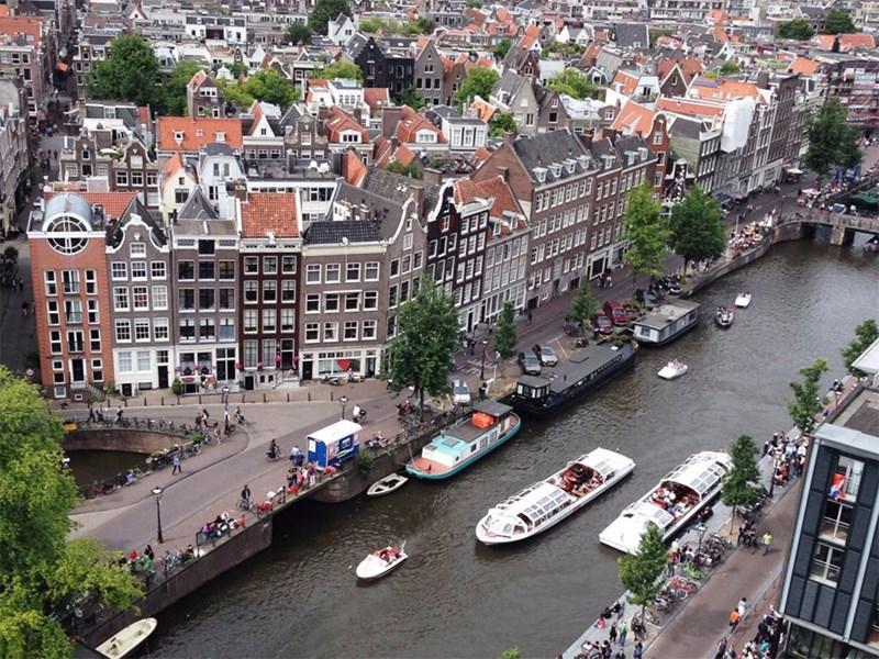 В Амстердаме запретят машины с ДВС Фото Авто Коломна