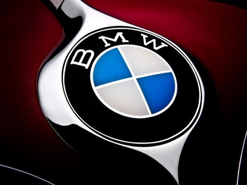 BMW обещает создать 11 моделей за один год