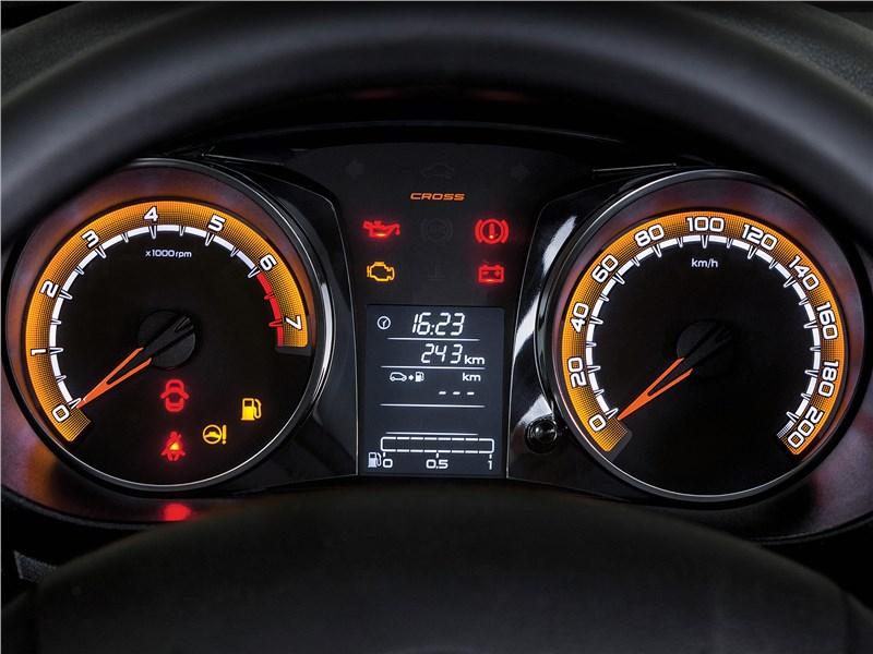 Lada Granta Cross 2019 приборная панель