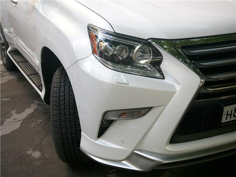 Lexus GX 460 2014 передняя фара