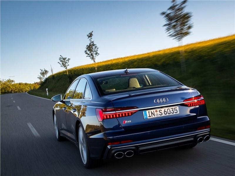 Audi S6 Sedan TDI 2020 вид сзади