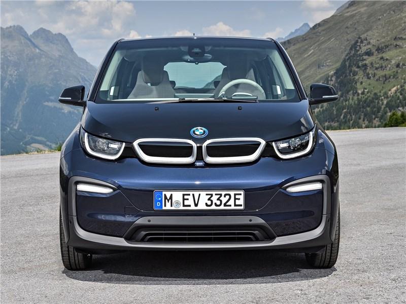BMW i3 2018 вид спереди