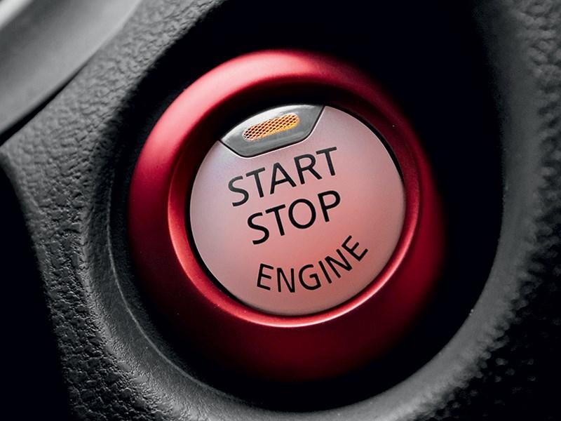 "Nissan Juke Nismo 2013 кнопка ""старт-стоп"""