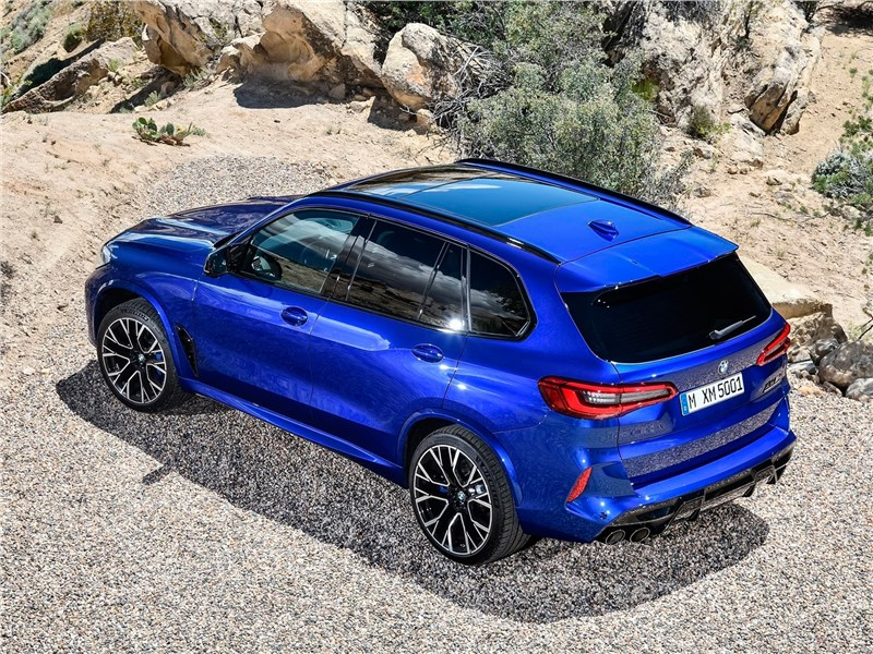 BMW X5 M 2020 вид сверху