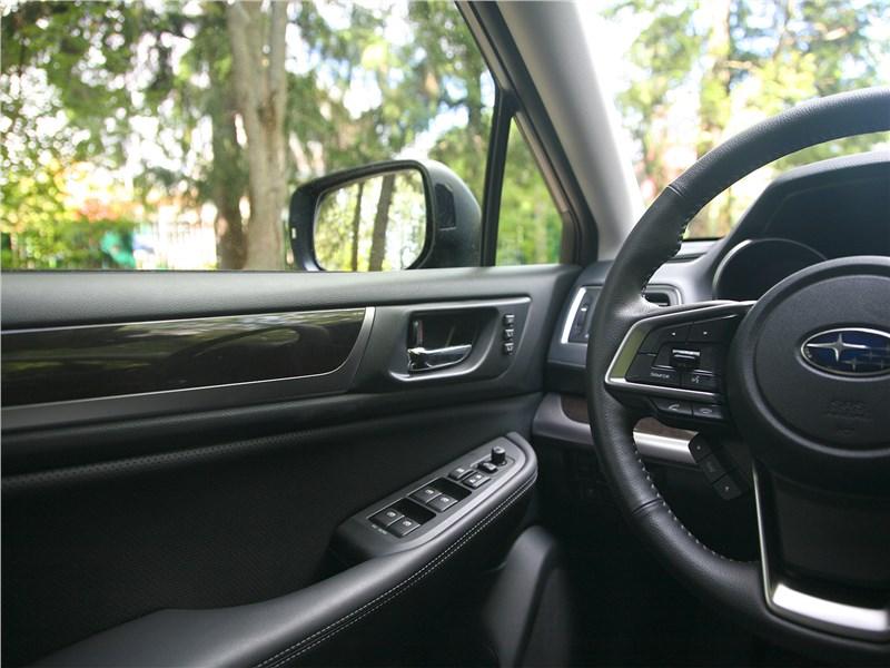 Subaru Outback 2018 салон