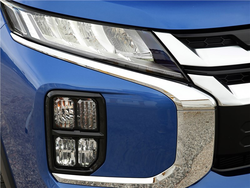 Mitsubishi ASX 2020 передний свет
