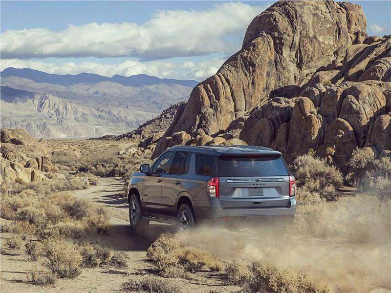 Chevrolet Tahoe 2021 вид сзади