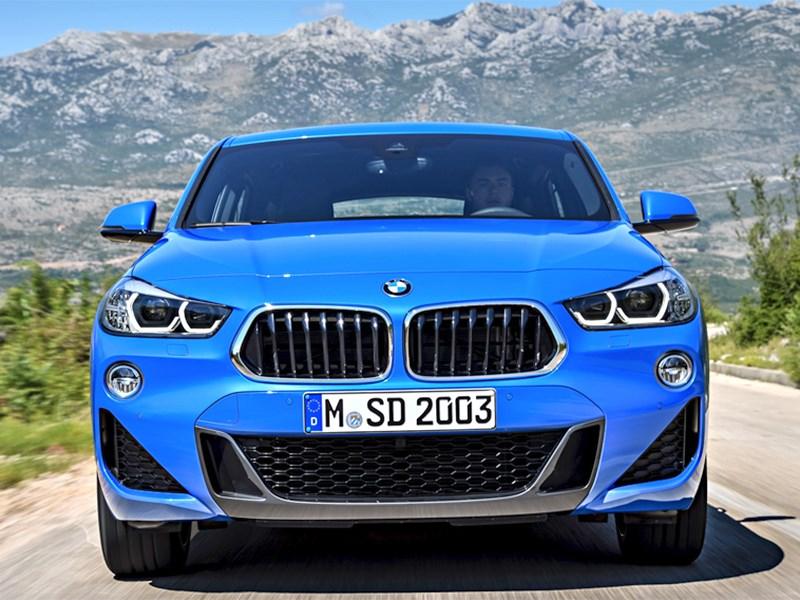 BMW X2 перевели на электричество