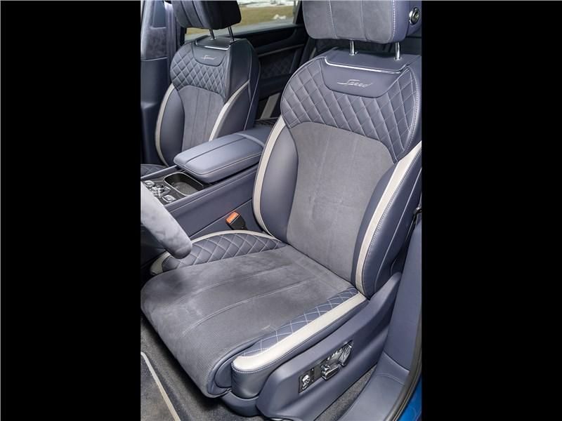 Bentley Bentayga Speed 2020 передние кресла