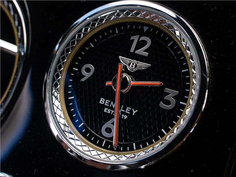 Bentley Continental GT V8 (2020) часы