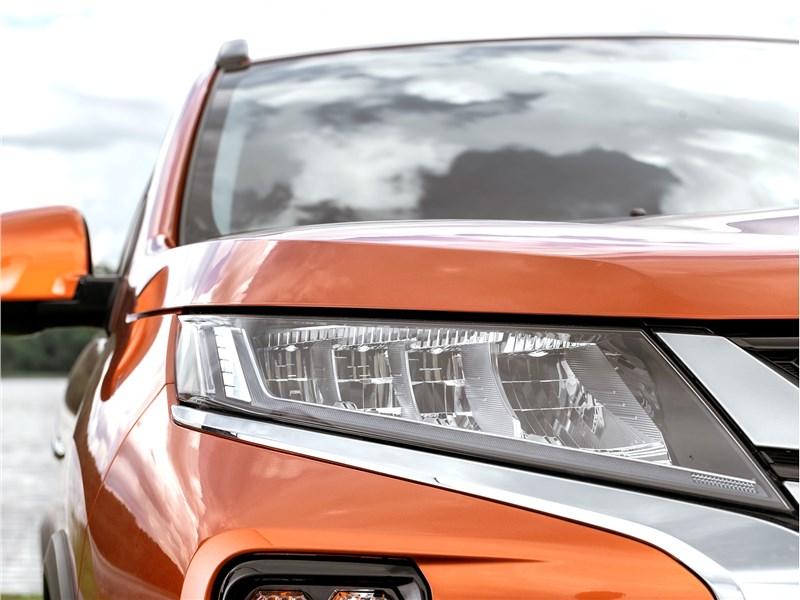 Mitsubishi ASX 2020 передняя фара