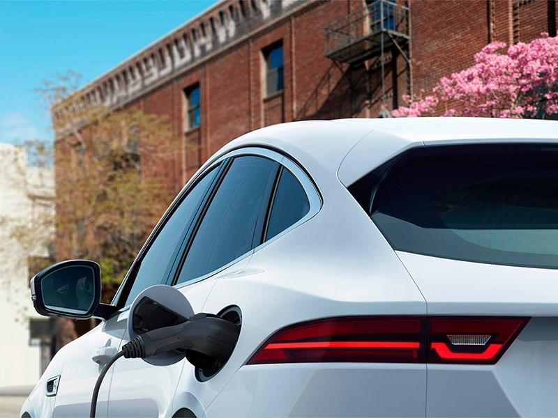 Jaguar уничтожит Tesla Model X