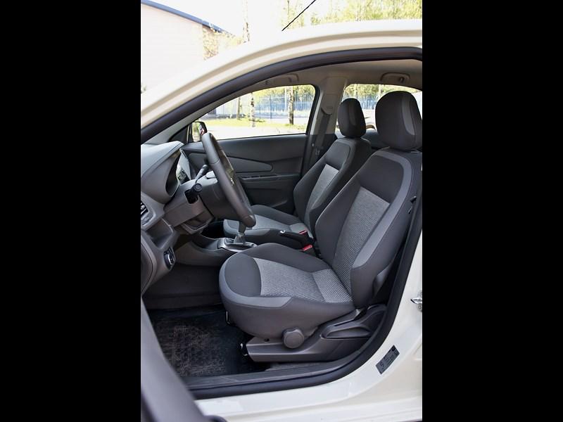 Chevrolet Cobalt 2013 передние кресла