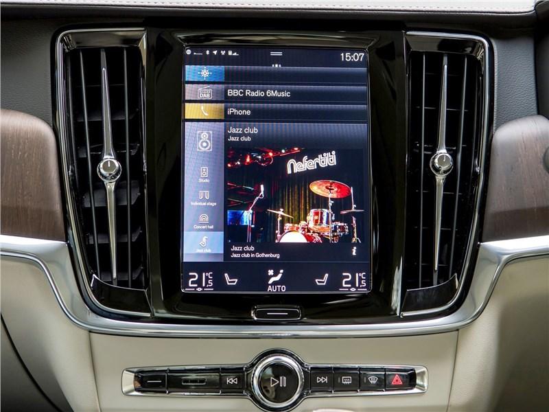 Volvo S90 (2020) центральная консоль