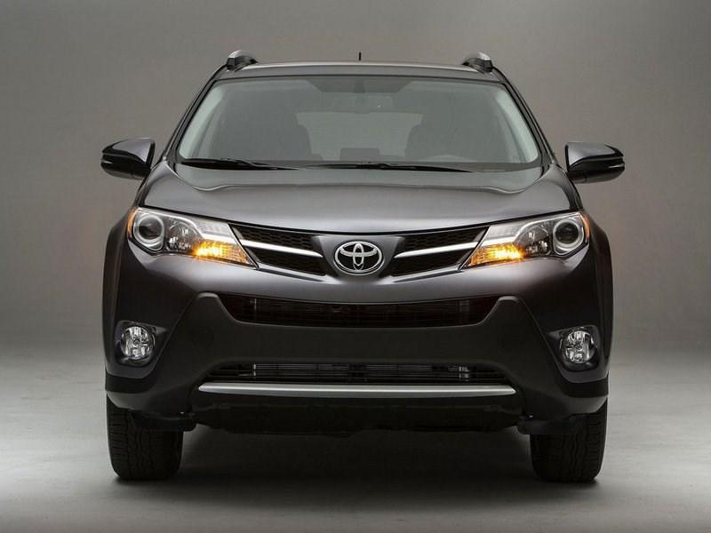 Продажи Toyota на российском рынке в апреле выросли на 14,8%