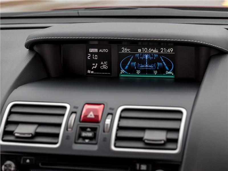 Subaru Forester 2016 монитор