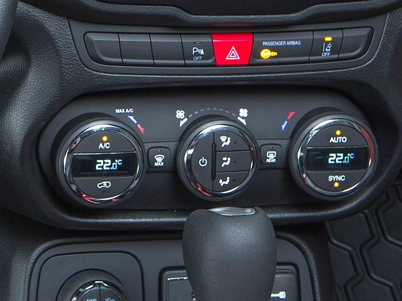 Jeep Renegade 2014 управление климатом