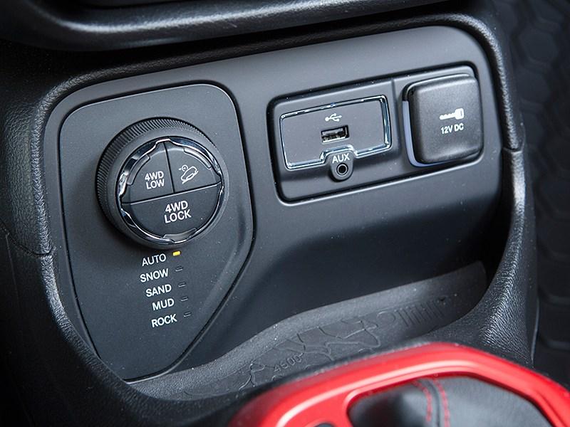 Jeep Renegade 2014 переключение трансмиссии